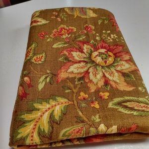"Richard Waite ""Granduca"" Linen 52""x 52"" tablecloth"
